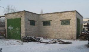 Здание гаражей, ул. М. Горького, 100