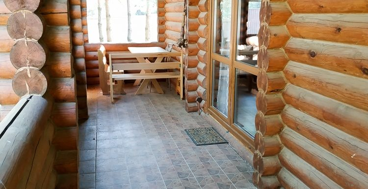 Современный дом со сруба в аг. Коробчицы